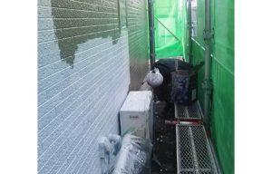 シーラ処理後、外壁上塗り一回目